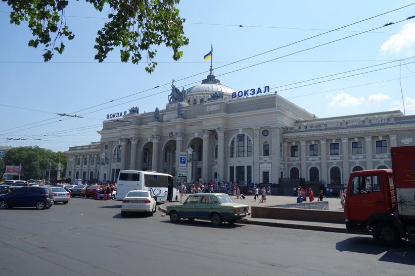 Den vackra tågstationen i Odessa.