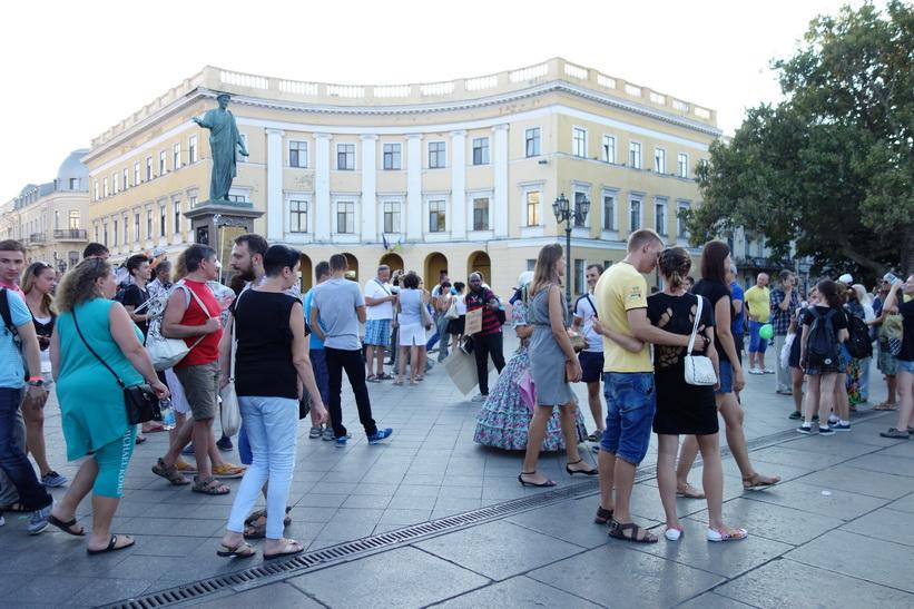 På torget vid toppen av Potemkin-trappan, Odessa.