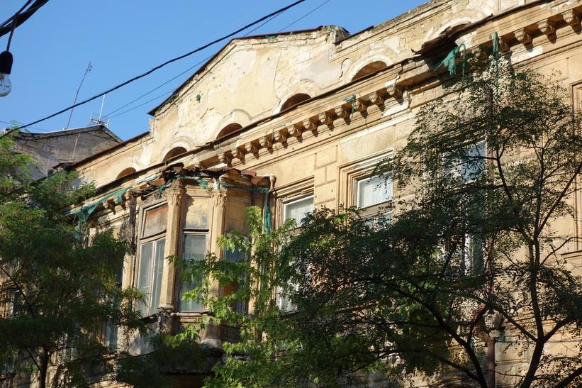 Fasad på byggnad vid Gogol-Mogol, Odessa.