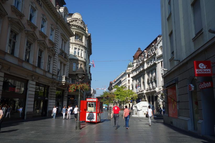 Knez Mihailova, gågatan i Belgrad.