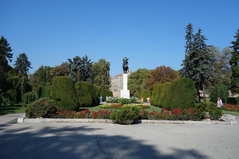 Fin park utanför fortet i Belgrad.