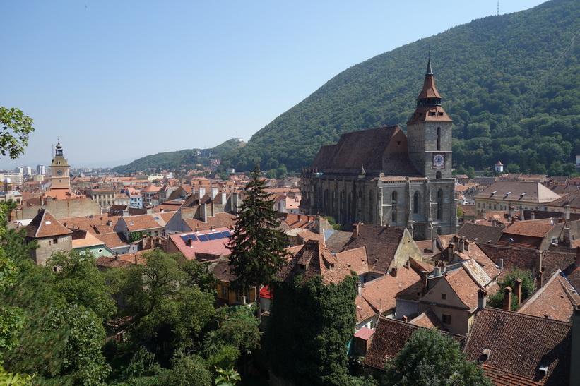 Utsikt mot Svarta kyrkan från Black tower Brașov.