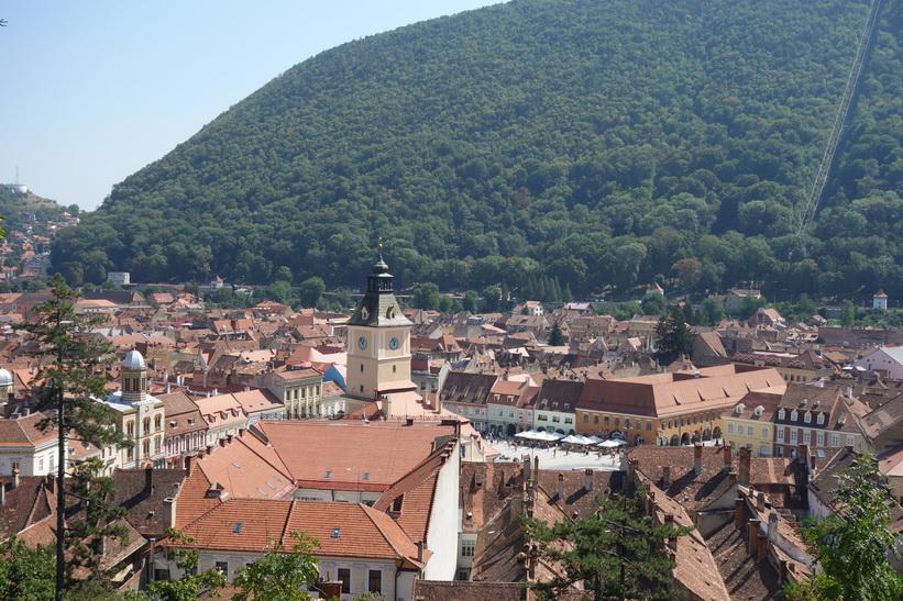 Utsikt mot Piața Sfatului från White tower, Brașov.
