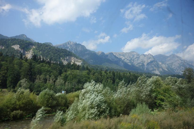 Vacker natur i närheten av Sinaia, Rumänien.