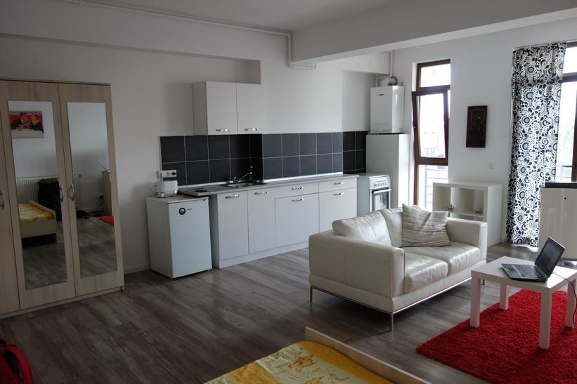 Lägenheten jag hyr i Bukarest för dryga 200 svenska kronor per natt.
