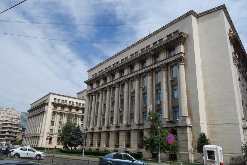 Kommunistarkitektur i central Bukarest.