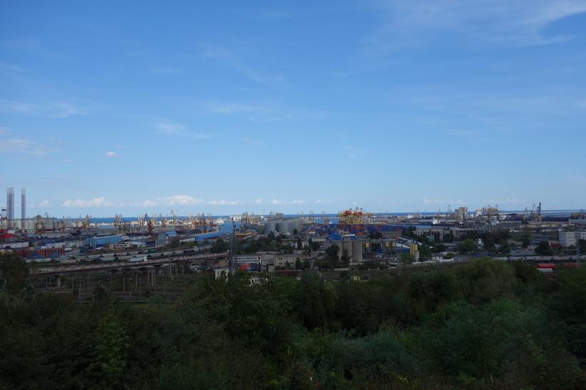 Hamnen i Constanţa är den största i svarta havet.