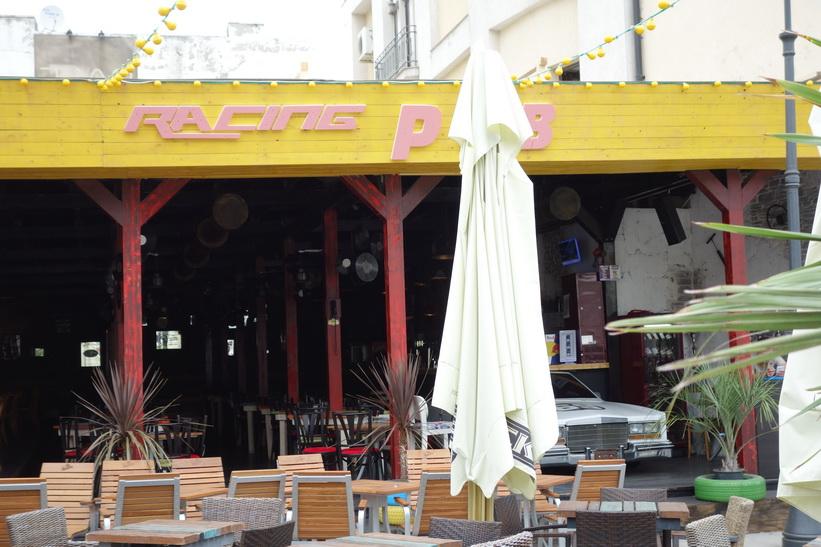 Racing Pub i centrala Constanţa.