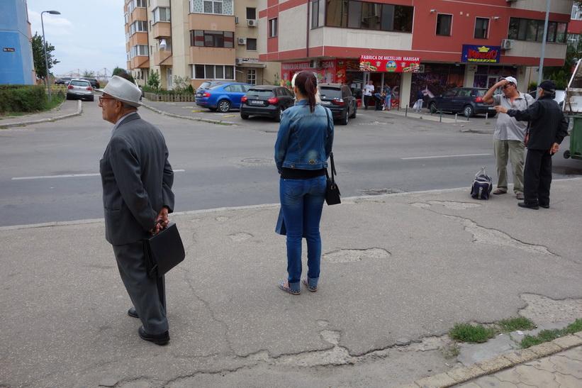 I väntan på buss 2-43, Constanţa.