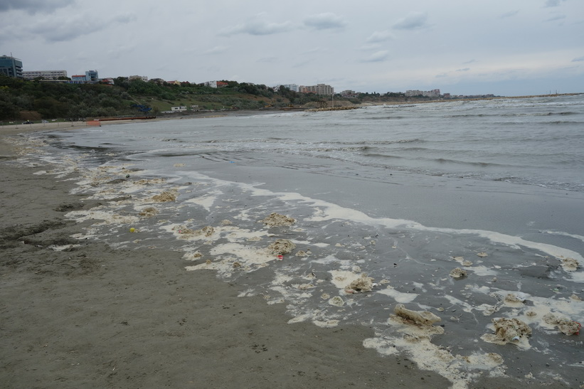 Constanţa beach, Constanţa. Vill du bada här?