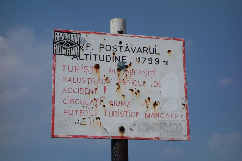 På toppen av Mount Postăvarul.