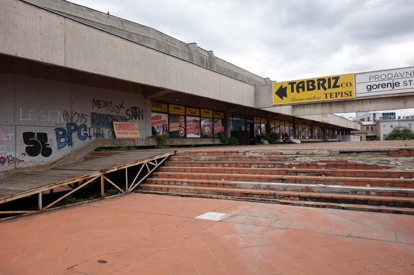 Nedgångna delar av OS-komplexet från vinter-OS 1984 i Sarajevo.