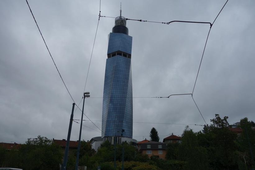 Avaz Twist Tower, Bosnien & Hercegovinas högsta byggnad på 142 meter.