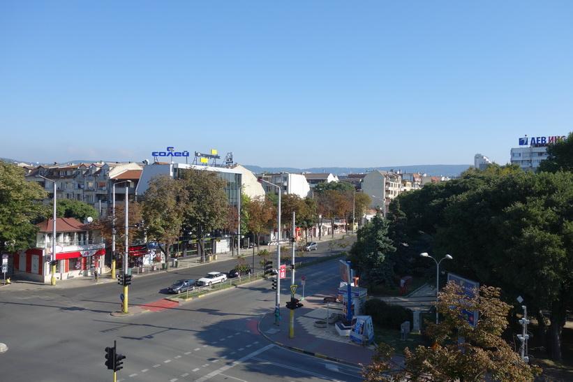 Utsikten från mitt hotellrum i morse när jag vaknade. Ordningen med det fina vädret är återställd, Varna.