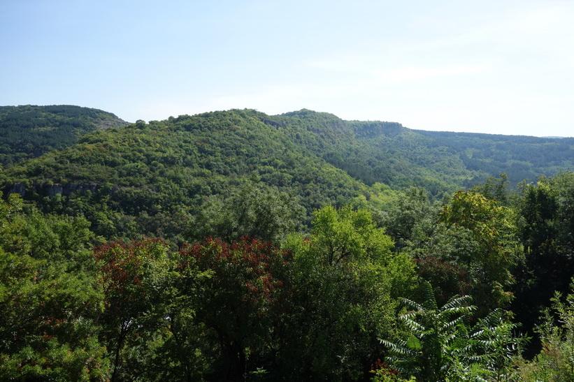 Den vackra naturen runt Tsarevets Fortress, Veliko Tărnovo.