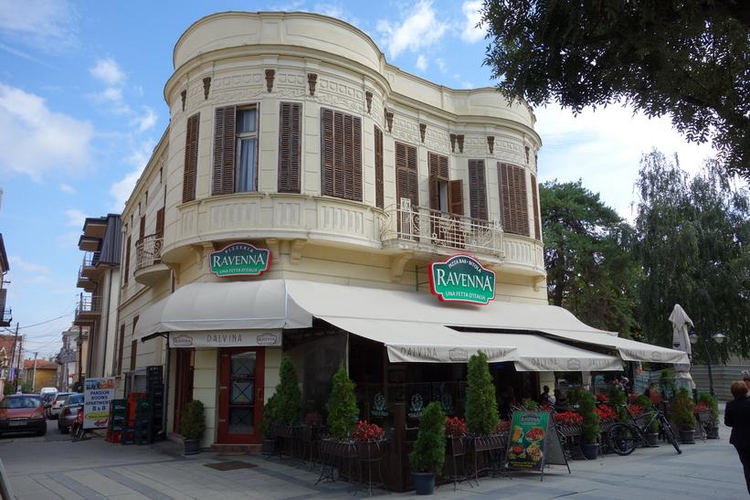 Restaurang Ravenna längs gågatan i centrala Bitola blev mitt val för lunchen.