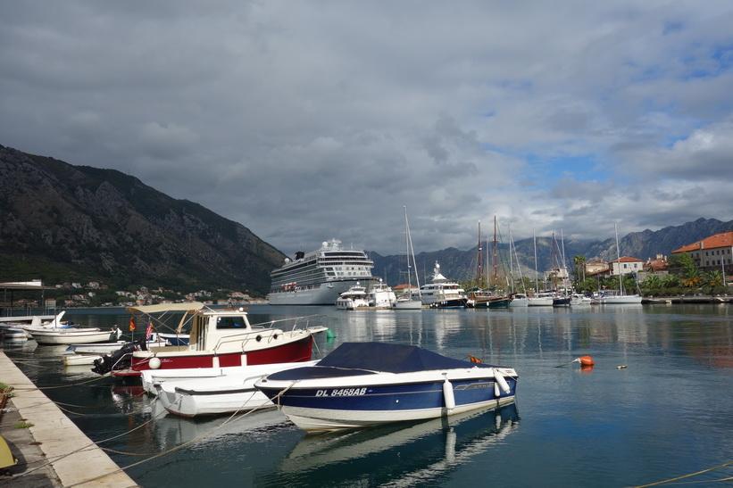 Hamnen i Kotor.