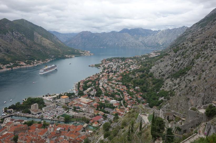Bay of Kotor sedd från St John's mountain.