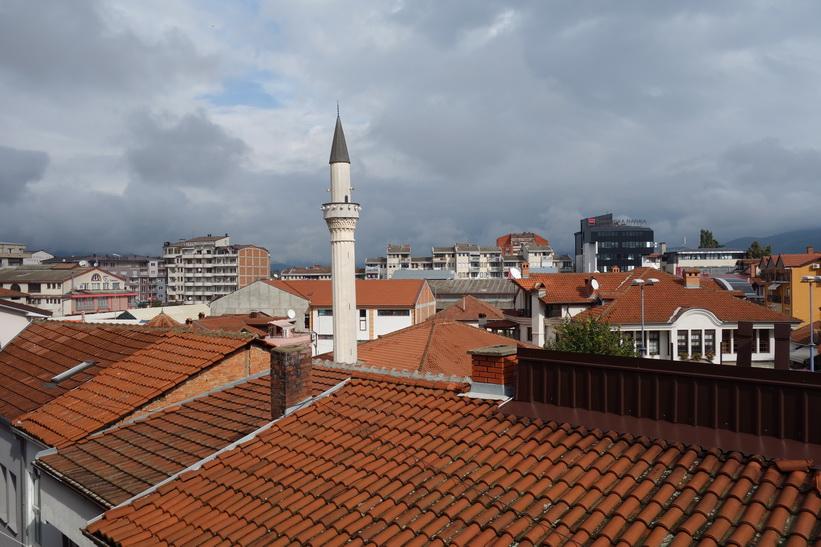 Utsikten från min balkong över centrala Ohrid.
