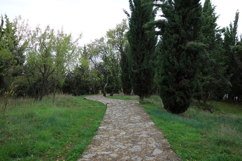 På väg ner till Sankt Johannes kyrka, Ohrid.