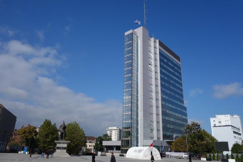 Regeringsbyggnad i central Pristina.