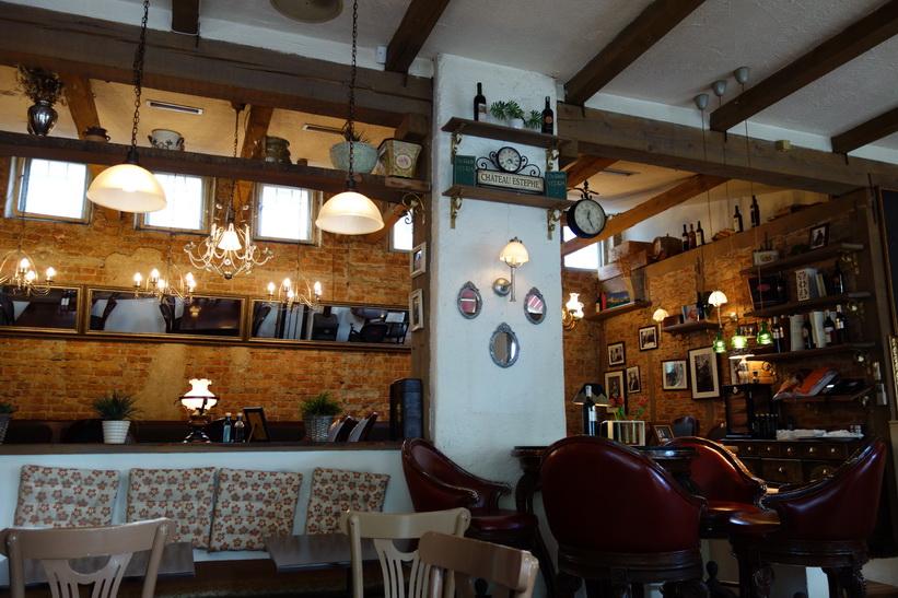 Restaurang De Rada Brasserie, Pristina.