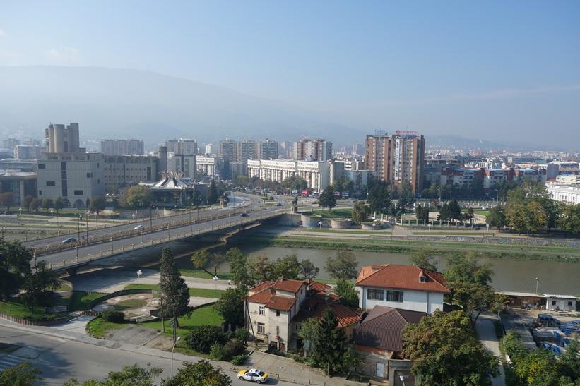 Vy över centrala Skopje från Kale-fästningen.