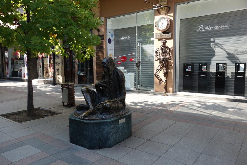 Staty längs Macedonia street, Skopje.