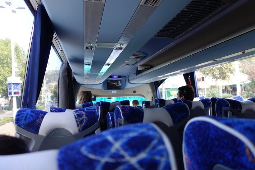 Bussbyte i Ljubuški från en halvdålig buss till en fin Volvo, Bosnien & Hercegovina.