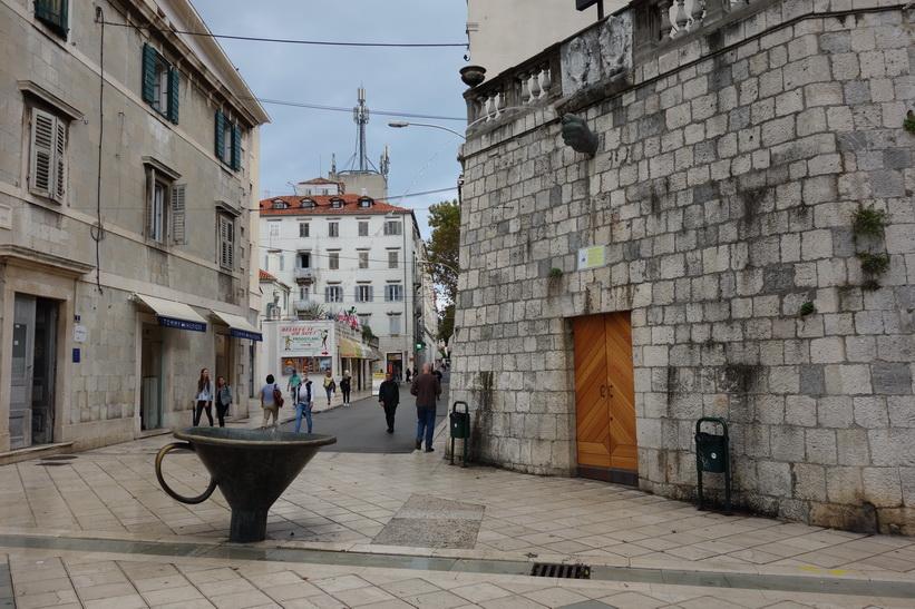 Häftigt konstverk i centrala Split.
