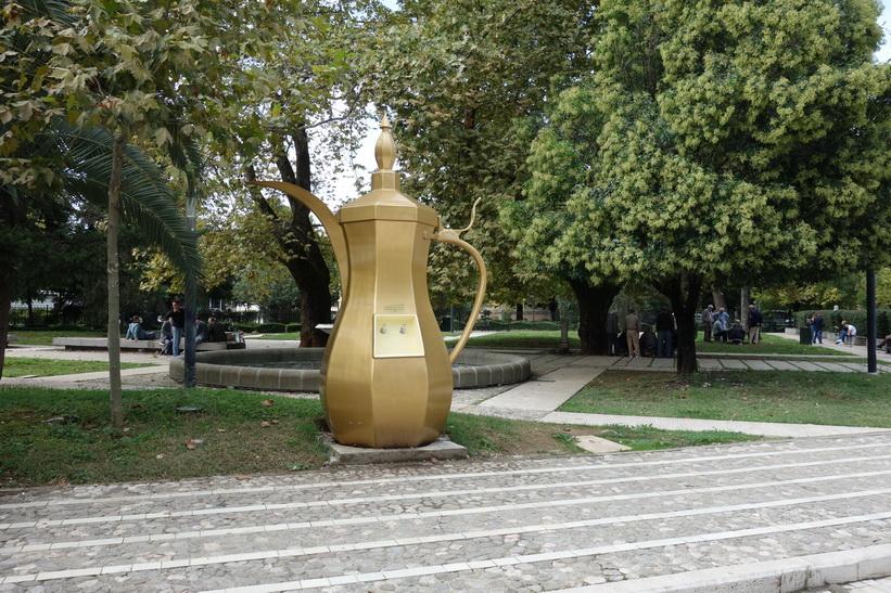 Monument i centrala Tirana.