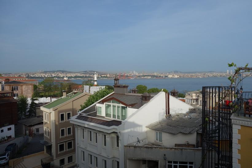 03-Utsikten från terassen på Marmara guesthouse, Sultanahmet, Istanbul.