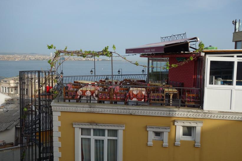 Utsikten från terassen på Marmara guesthouse, Sultanahmet, Istanbul.