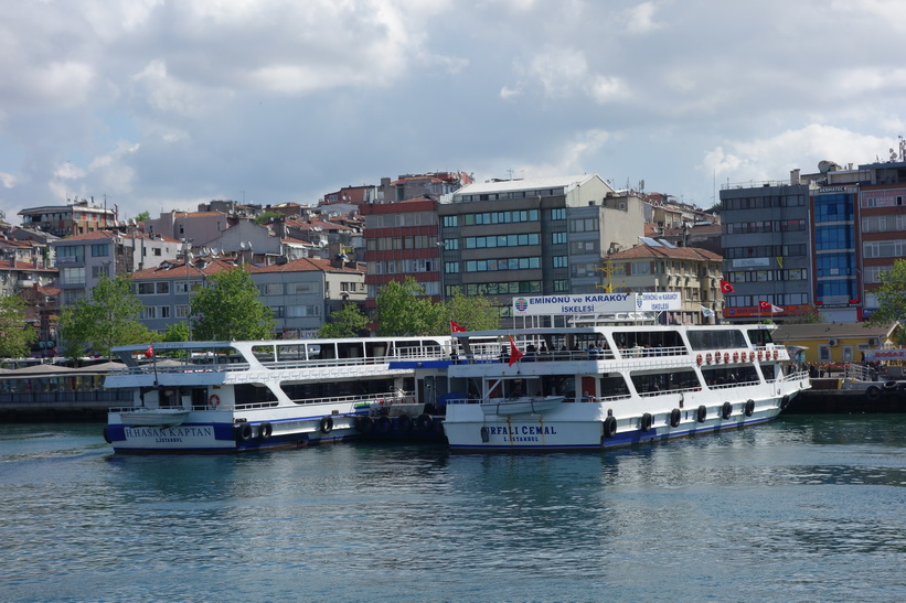 Färjeterminalen i Kadiköy på den asiatiska sidan, Istanbul.