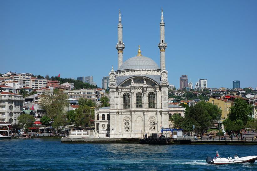 Ortaköy-moskén, Bosporen-turen, Istanbul.