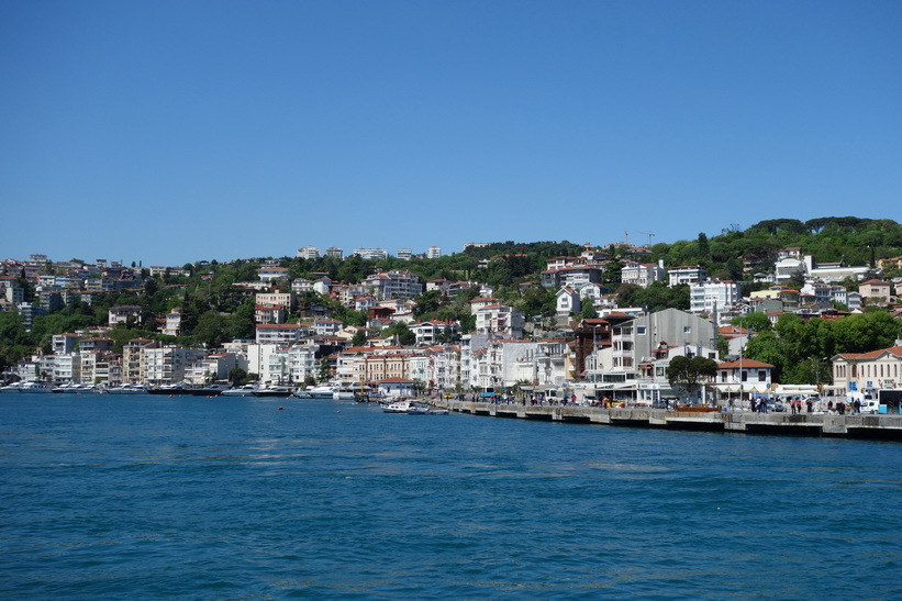 Vy över Bosporens strand, Bosporen-turen, Istanbul.