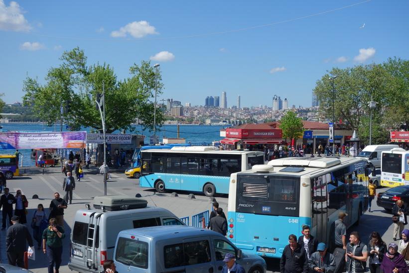 Gatuscen i Üsküdar, Istanbul.