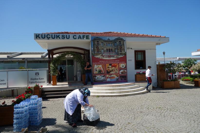 Küçüksu Kasrı Cafe & Restaurant vid Küçüksu Kasrı, Istanbul.