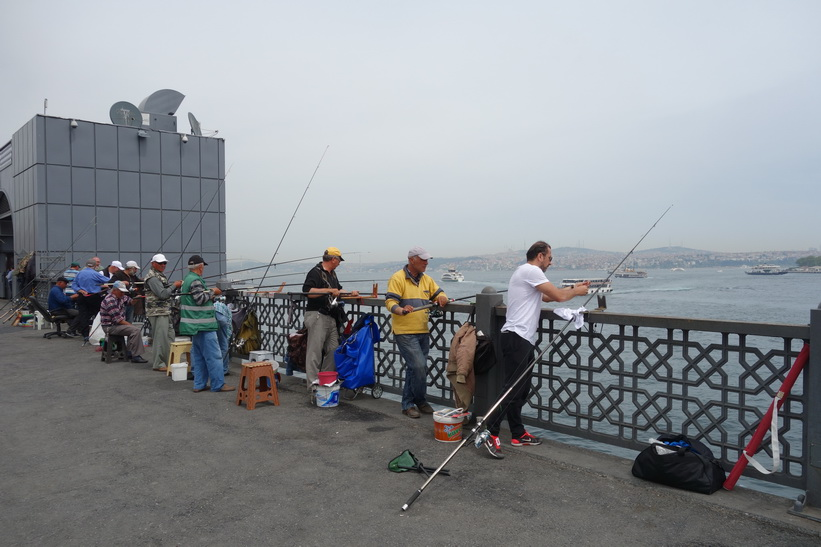 Fiskare på Galata-bron, Istanbul.