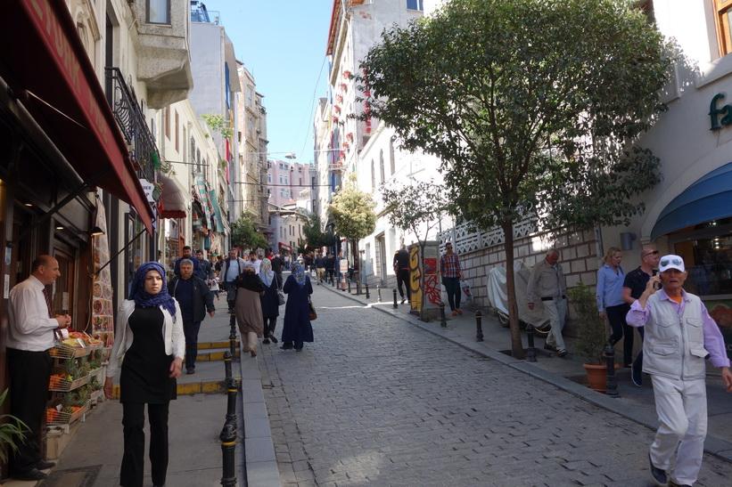 Gatuscen i Beyoğlu, Istanbul.