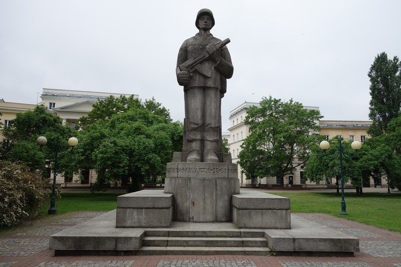 Monument längs gatan Marszałkowska i centrala Warszawa.