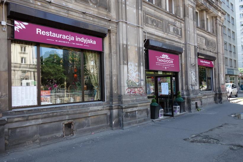 Restaurang Tandoor Palace en bit söder om Plac Zbawiciela, Warszawa