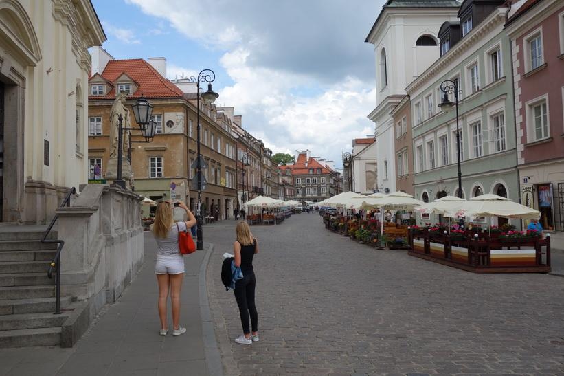 Gatan ul Freta är kantad av restauranger med uteserveringar. I mitt tycke är detta det bästa området i Warszawa att äta på.