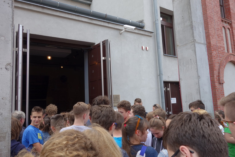 Entrén till Warsaw Rising Museum, Warszawa.