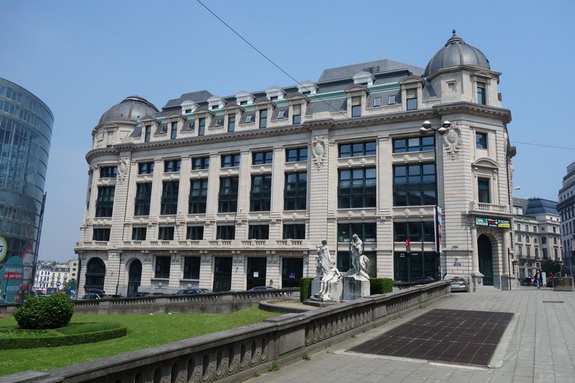 Arkitektur i närheten av centralstationen i Bryssel.