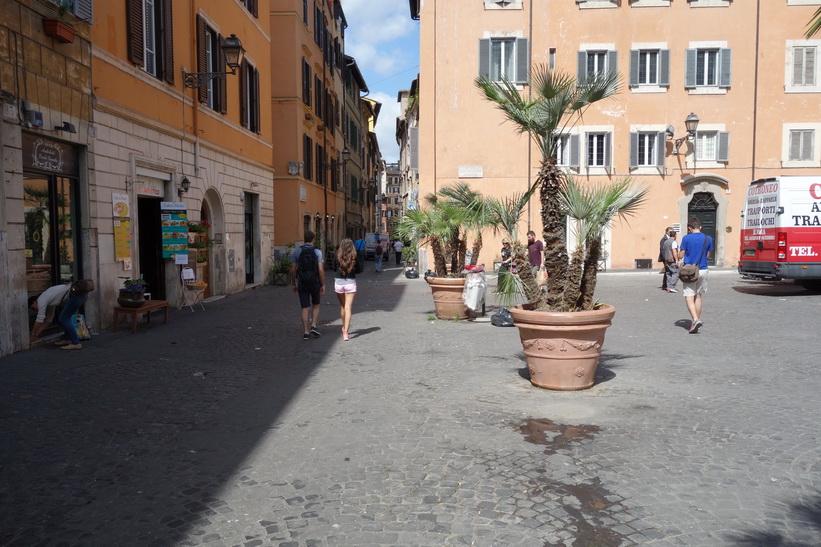 Gatuscen i centrala Rom.