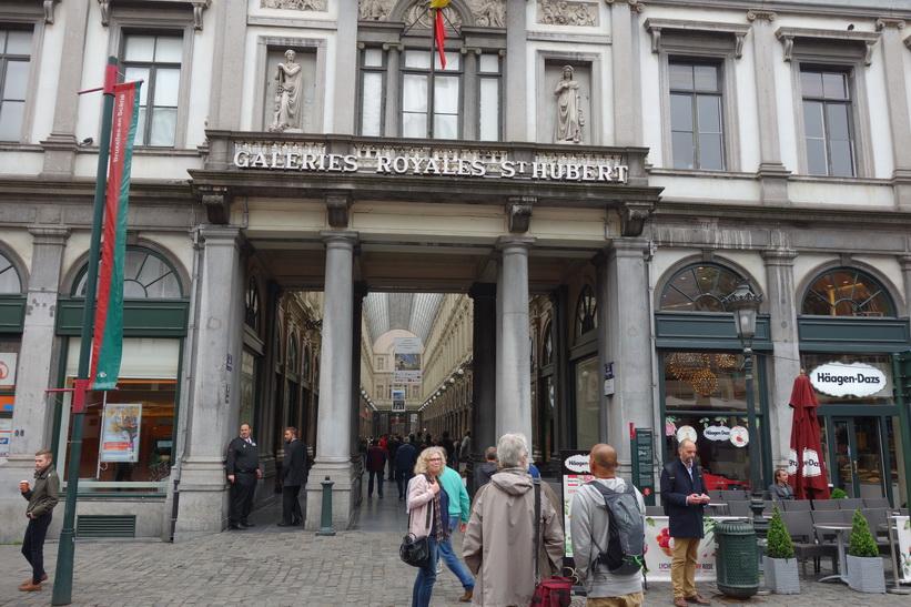 Europas första galleria Galeries St-Hubert från 1847, centrala Bryssel.