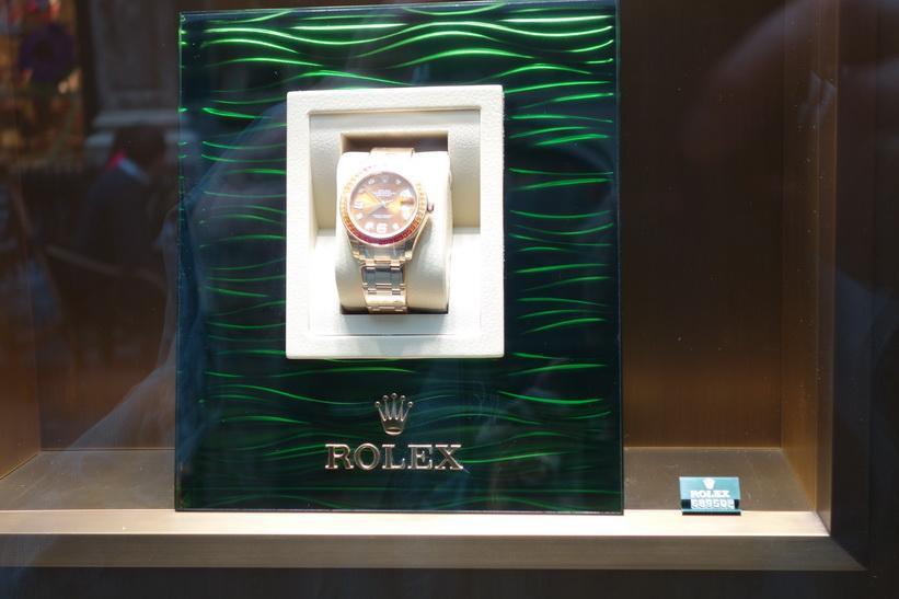Rolexklocka för lite över en halv miljon kronor, Galleria Galeries St-Hubert, centrala Bryssel.