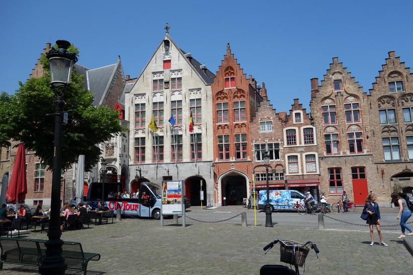 Jan van Eyck-torget i centrala Brygge.