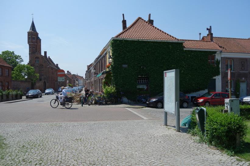 Gatuscen i centrala Brygge.